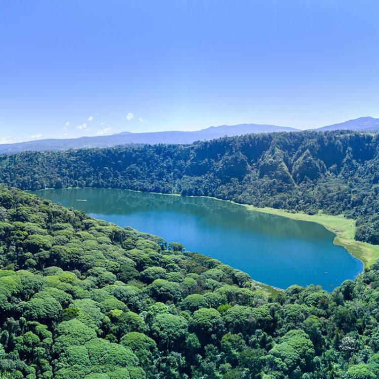 Treeking a Caldera Volcánica de Laguna de Hule